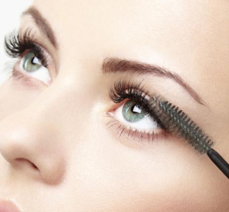 Using castor oil for eyelashes growth