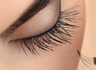 Process of removing eyelid extensions