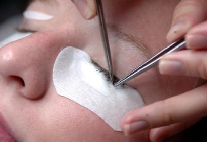 How to get rid of ingrown eyelash hair